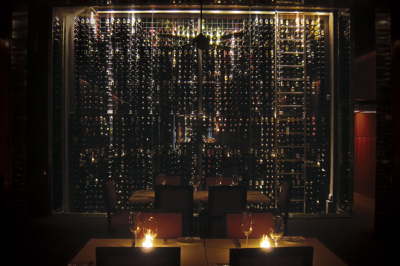 Mi lema para todo es keep it simple juan santa cruz - Cavas de vino para casa ...