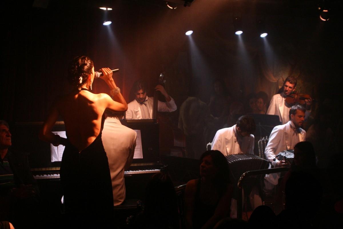 10_El-Cabaret-1500x1000