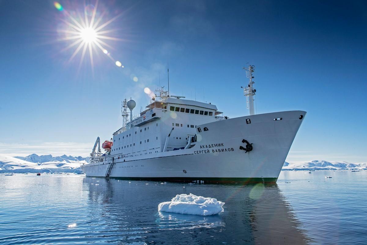 Vavilov Ship - Cortesía Antarctic Biennale (2)
