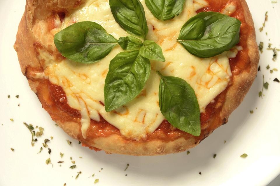 3. Pizza Frita - Ike Milano
