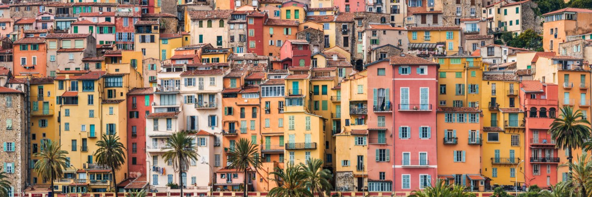 15382-france-Alpes-Maritimes-Facades-de-Menton-Cote-d-Azur-panorama-sentucq.h