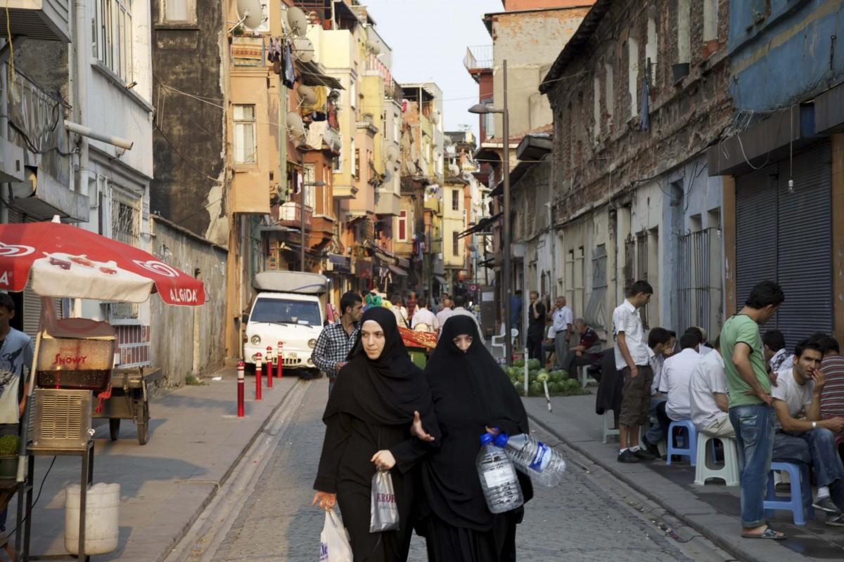 131-istanbul-street1